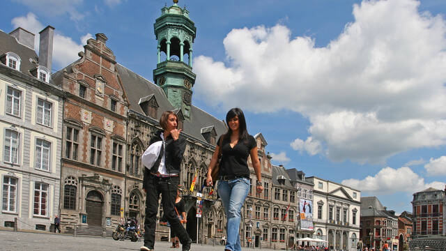 10 top reasons to fall in love with Mons!