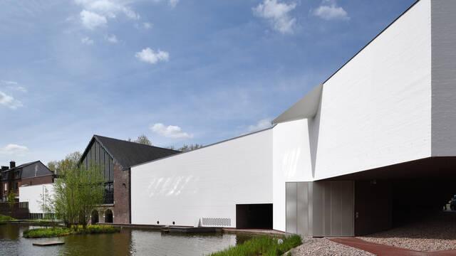 13. The Mons Memorial Museum