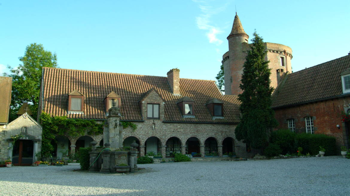 The very old château d'Egmont (Jurbise)