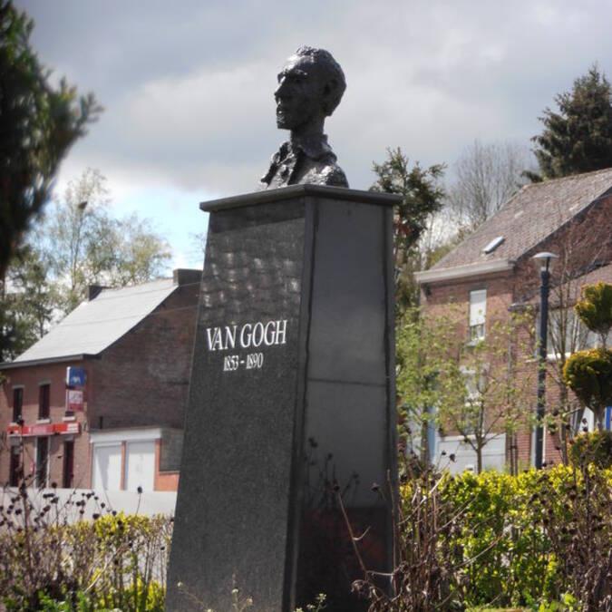 Buste de Van Gogh, place Saint-Pierre